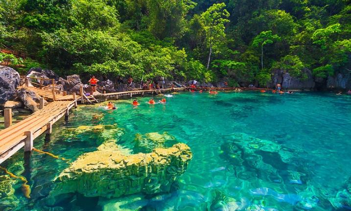 kayangan-lake-coron-philippines